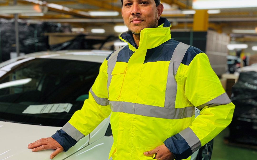 Portrait d'Ibrahim, préparateur esthétique automobile chez RMS Auto